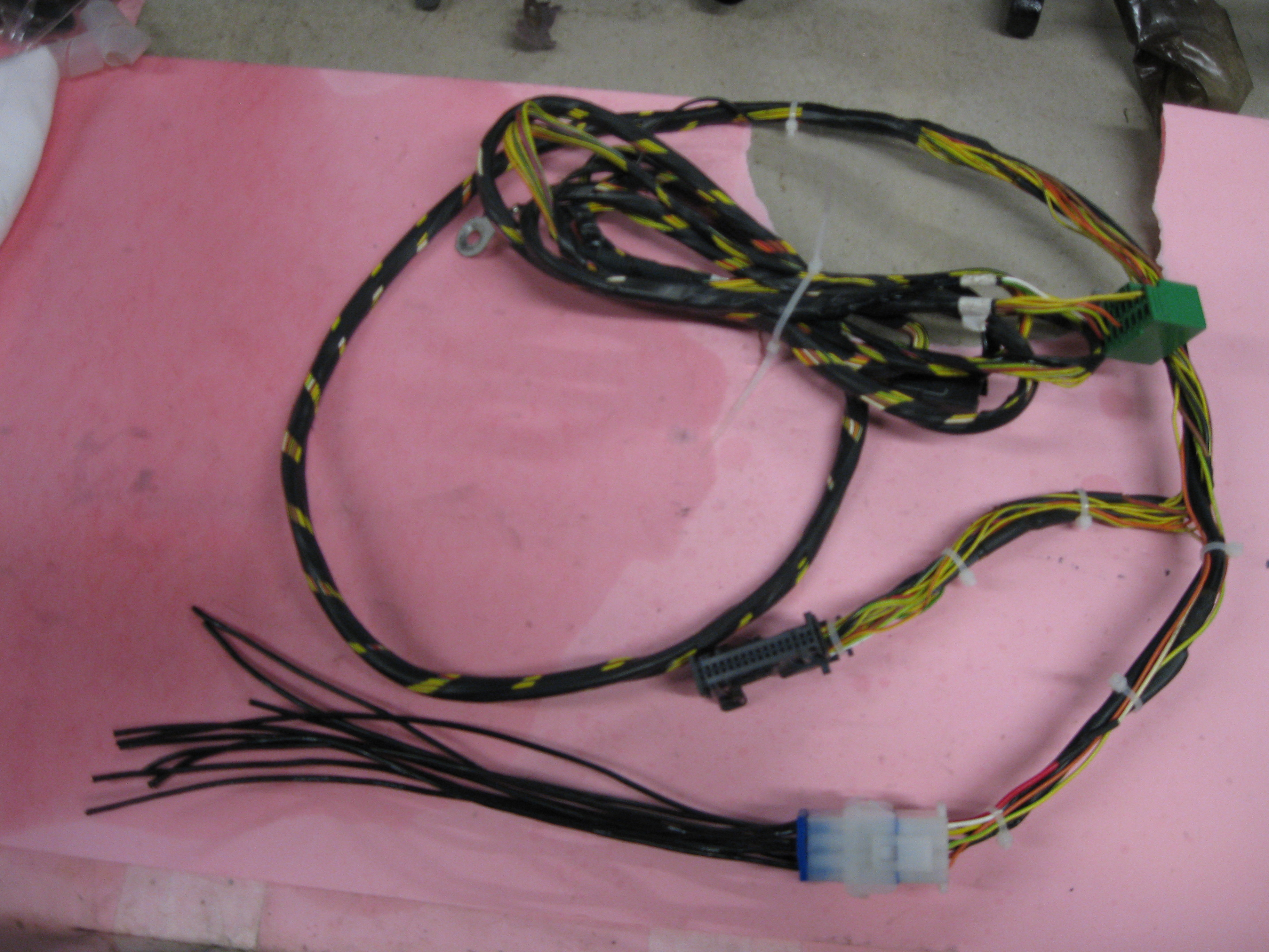 caggers parts wiring looms and harnesses remanufactured rh caggersparts com jaguar x type radio wiring harness Jaguar S-Type